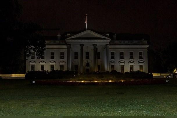 Asaltan la Casa Blanca y Trump acaba escondido en un búnker